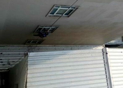 pembersih-gedung-cuci-kaca-hotel-oria-15