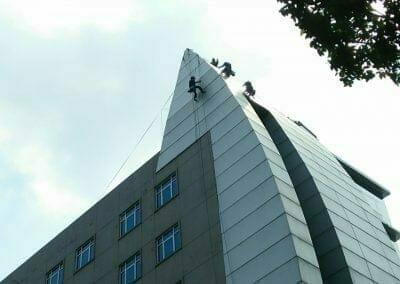 pembersih-gedung-cuci-kaca-oria-hotel-24