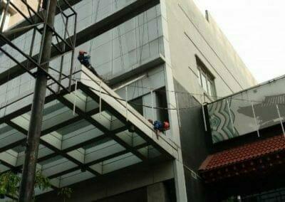 pembersih-gedung-oria-hotel-03