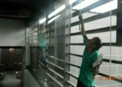 pembersih-kaca-gedung-ducati-11