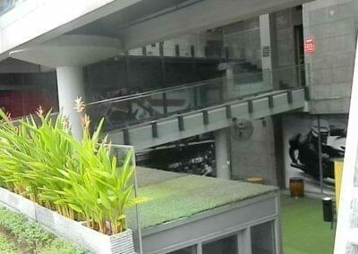 pembersih-kaca-gedung-ducati-indonesia-04