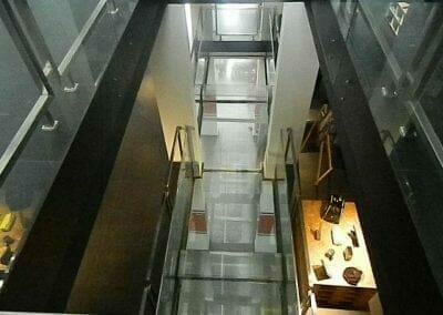 pembersih-kaca-gedung-ducati-indonesia-29