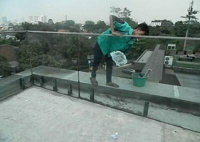 pembersih-kaca-gedung-ducati-indonesia-38
