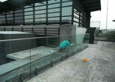 pembersih-kaca-gedung-ducati-indonesia-39
