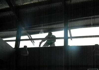 pembersih-kaca-gedung-ducati-indonesia-45