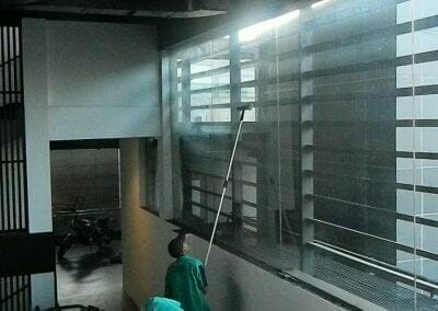 pembersih-kaca-gedung-ducati-indonesia-48
