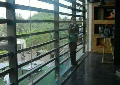 pembersih-kaca-gedung-ducati-indonesia-50