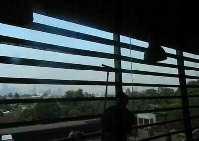 pembersih-kaca-gedung-ducati-indonesia-55