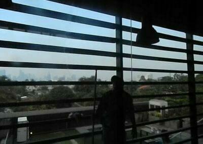 pembersih-kaca-gedung-ducati-indonesia-57