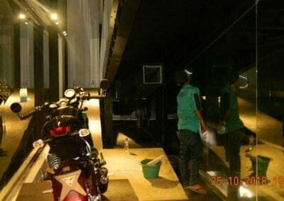 pembersih-kaca-gedung-ducati-indonesia-67