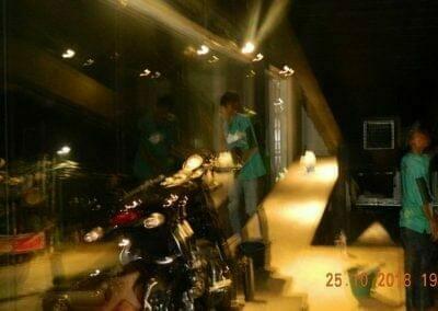 pembersih-kaca-gedung-ducati-indonesia-68