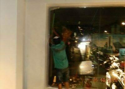pembersih-kaca-gedung-ducati-indonesia-72
