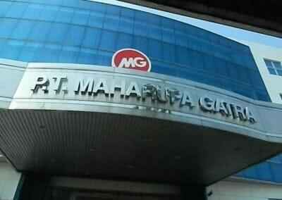 pembersih-kaca-gedung-mg-sports-04