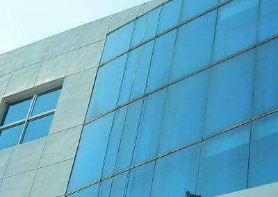 pembersih-kaca-gedung-mg-sports-33