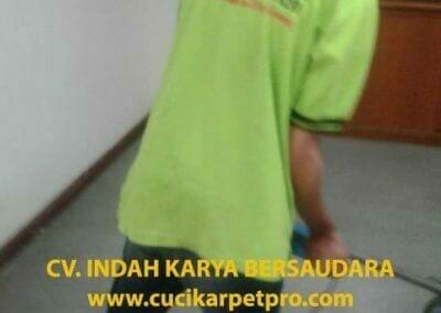 cuci-karpet-kantor-biru-indokon-pt-02