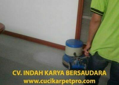 cuci-karpet-kantor-biru-indokon-pt-04