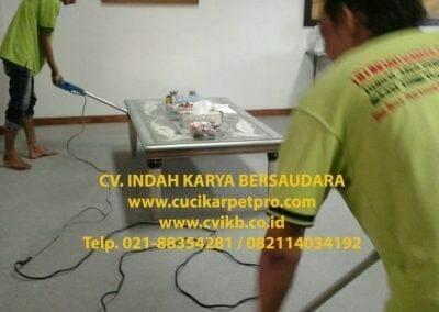 cuci-karpet-kantor-biru-indokon-pt-07