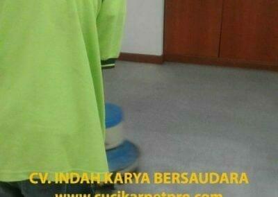 cuci-karpet-kantor-biru-indokon-pt-08