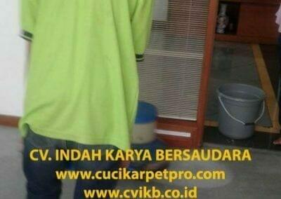 cuci-karpet-kantor-biru-indokon-pt-10