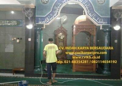 cuci-karpet-mesjid-jami-darul-falah-03