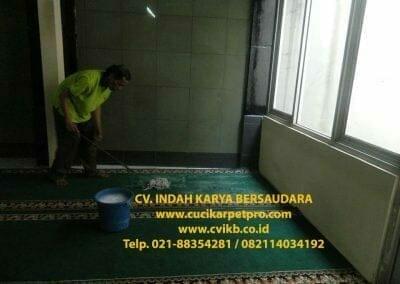 cuci-karpet-mesjid-jami-darul-falah-07