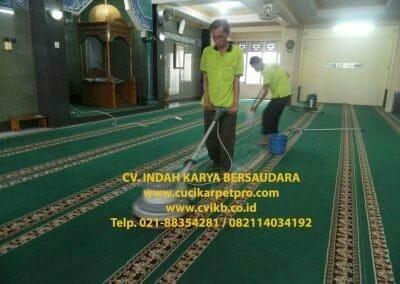 cuci-karpet-mesjid-jami-darul-falah-13