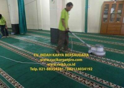 cuci-karpet-mesjid-jami-darul-falah-18