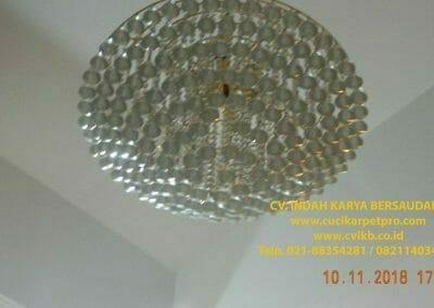 cuci-lampu-kristal-bapak-syafri-41