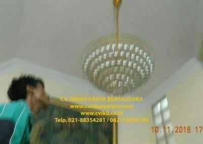 cuci-lampu-kristal-bapak-syafri-44