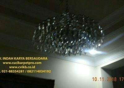 cuci-lampu-kristal-bapak-syafri-55