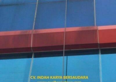 pembersih-alucobond-dan-kaca-gedung-pt-grakindo-15