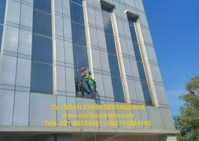 pembersih-kaca-gedung-bni-jatiluhur-36