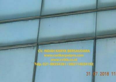 pembersih-kaca-gedung-bri-10