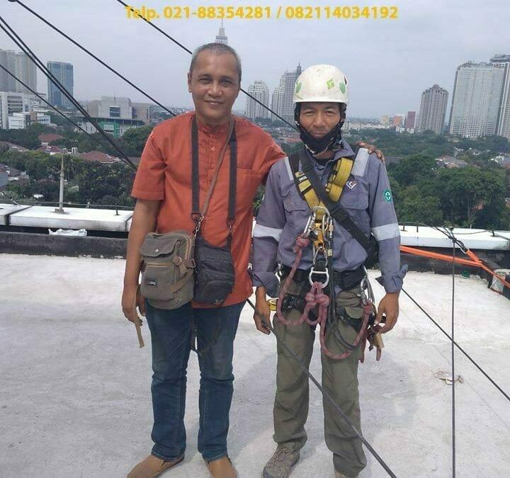 Pembersih Kaca Gedung | Cuci Kaca Telkom Jakarta Selatan