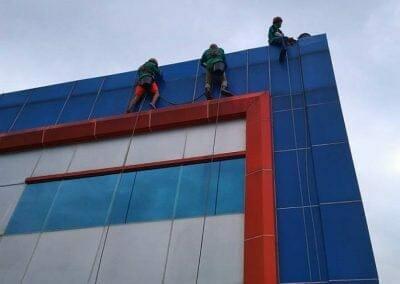 pembersih-kaca-gedung-pt-grakindo-06
