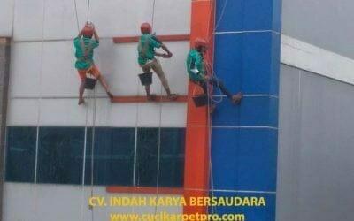 Pembersih Kaca Gedung PT Grakindo | Jasa Cuci Kaca Gedung