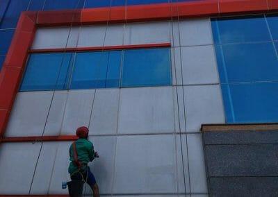 pembersih-kaca-gedung-pt-grakindo-21