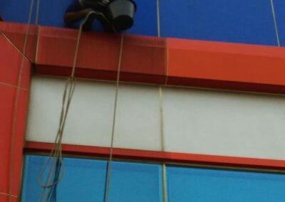 pembersih-kaca-gedung-pt-grakindo-22