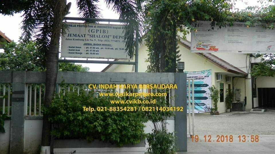 Cuci Lampu Kristal Gereja GPIB Shalom Depok