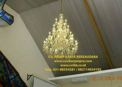 cuci-lampu-kristal-gereja-gpib-shalom-depok-07