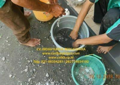 cuci-lampu-kristal-gereja-gpib-shalom-depok-32