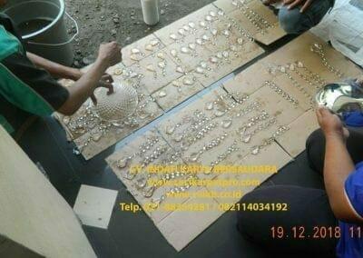 cuci-lampu-kristal-gereja-gpib-shalom-depok-48