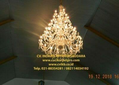 cuci-lampu-kristal-gereja-gpib-shalom-depok-78