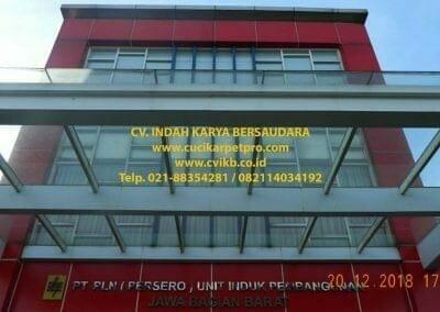 pembersih-kaca-gedung-cuci-kaca-pln-uip-jbb-37