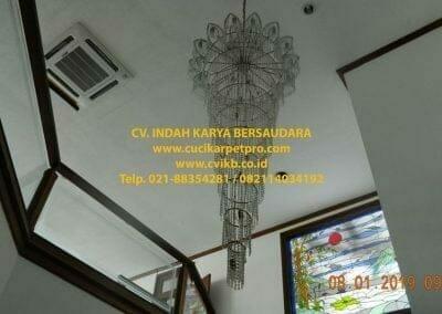 cuci-lampu-kristal-bapak-pittor-03