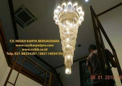 cuci-lampu-kristal-bapak-pittor-52
