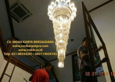 cuci-lampu-kristal-bapak-pittor-54