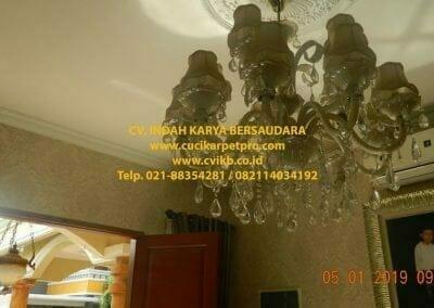 cuci-lampu-kristal-ibu-christine-04