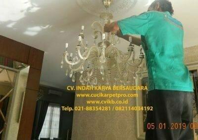 cuci-lampu-kristal-ibu-christine-11