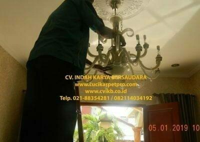 cuci-lampu-kristal-ibu-christine-16